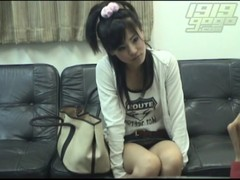 【関西風俗面接シリーズ無修正】面接に訪れた素人娘を面接室でやっちゃいます!!えっここでヤルんですか!?