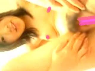 【流出】ガラケー全盛期の出会いから流出したマンコ自撮り少女のムービー!この頃は本当に色々よかったwwwスタービーチ復活してくれ!