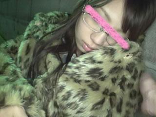 【xvideos無修正】街中で酔っ払いの女の子を捕まえてレイプw泥酔してる雌豚が悪いのだ!勝手にハメ撮りしちゃえw篠塚絵美