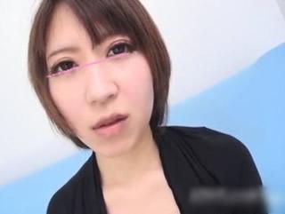 【xvideos無修正】超カワイイ女の子 実録ナンパ!普通の仕事でお金が貯まらない素人娘をナンパしてハメ撮りの高収入アルバイトを紹介w