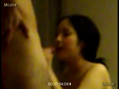 【無修正 盗撮】ガチっぽいデリヘル盗撮動画「コスプレ風俗嬢ことね」 部屋に呼んだデリヘル嬢を盗撮するとかけしからん!なかなかリアルなので許すw