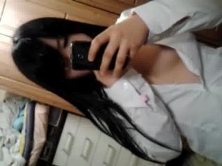 【ライブチャット無修正動画】エロと言えば韓国www韓国の10代少女たちもライブチャットパイパンおまんこを見せまくっていますwww