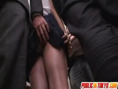 【AV女優Rio xvideos】ハーフ系お姉さんのRioちゃんが電車に痴漢に遭い→強姦される!?