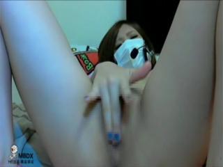 【ライブチャット流出】関西弁少女のオナニーって何でこんなにエロいのかw卑猥なオメコを触りながら「あかんでぇ~」ってエロ過ぎ!